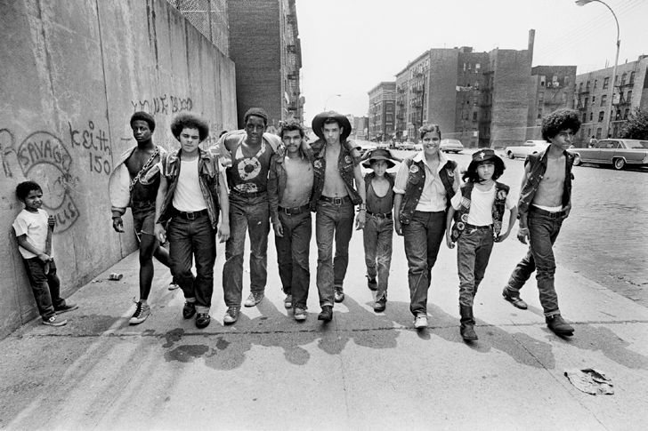 Savage Skulls Group walking on sidewalk. Bronx, New York City, NY - July 20, 1972 © Jean-Pierre Laffont, 2015. Exhibition at Maison Européenne de la Photographie.