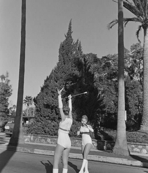 Pasadena, California, 1974 © Henry Wessel; courtesy Pace/ MacGill Gallery, New York